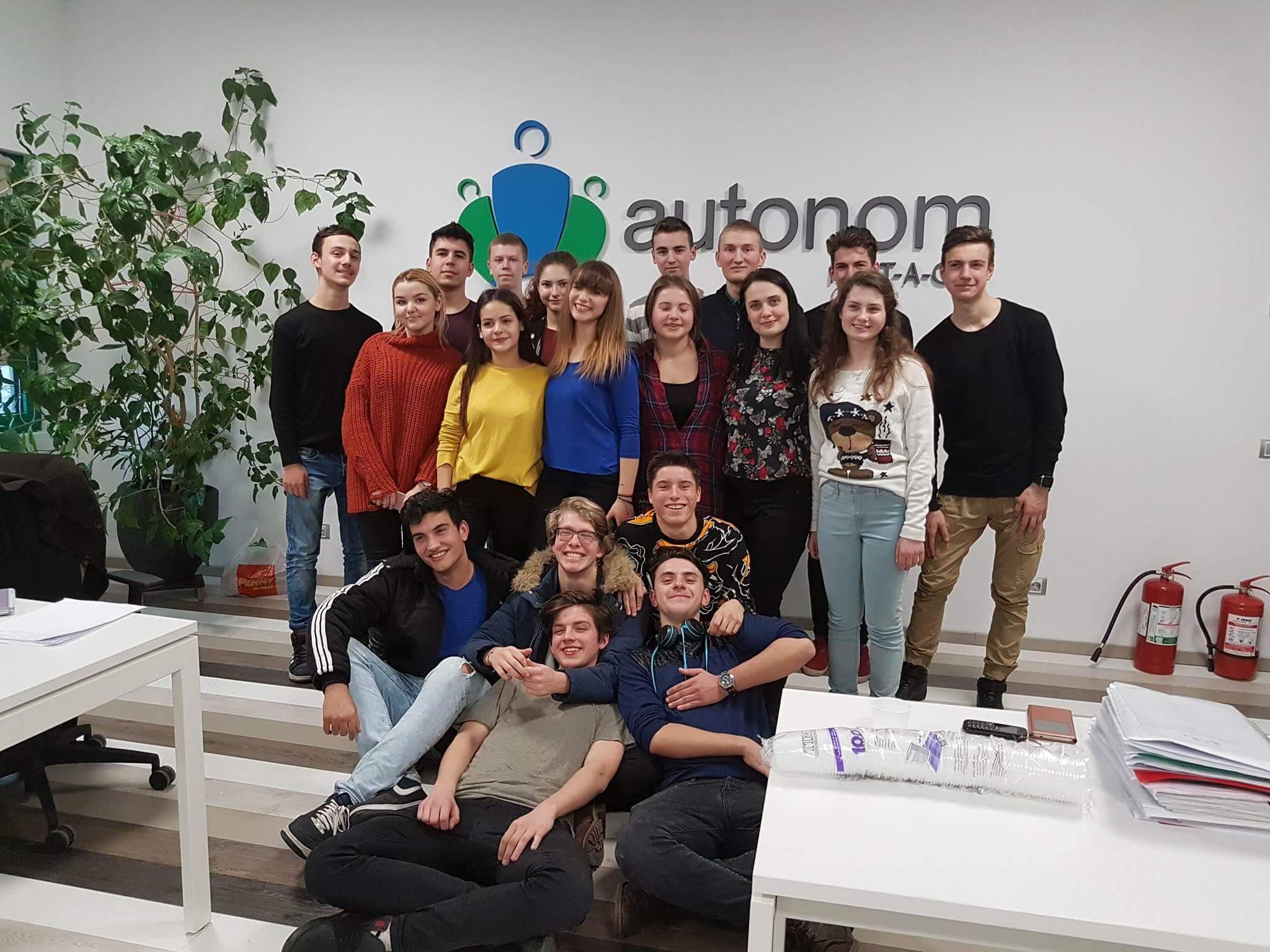 Fundația Autonom caută voluntari