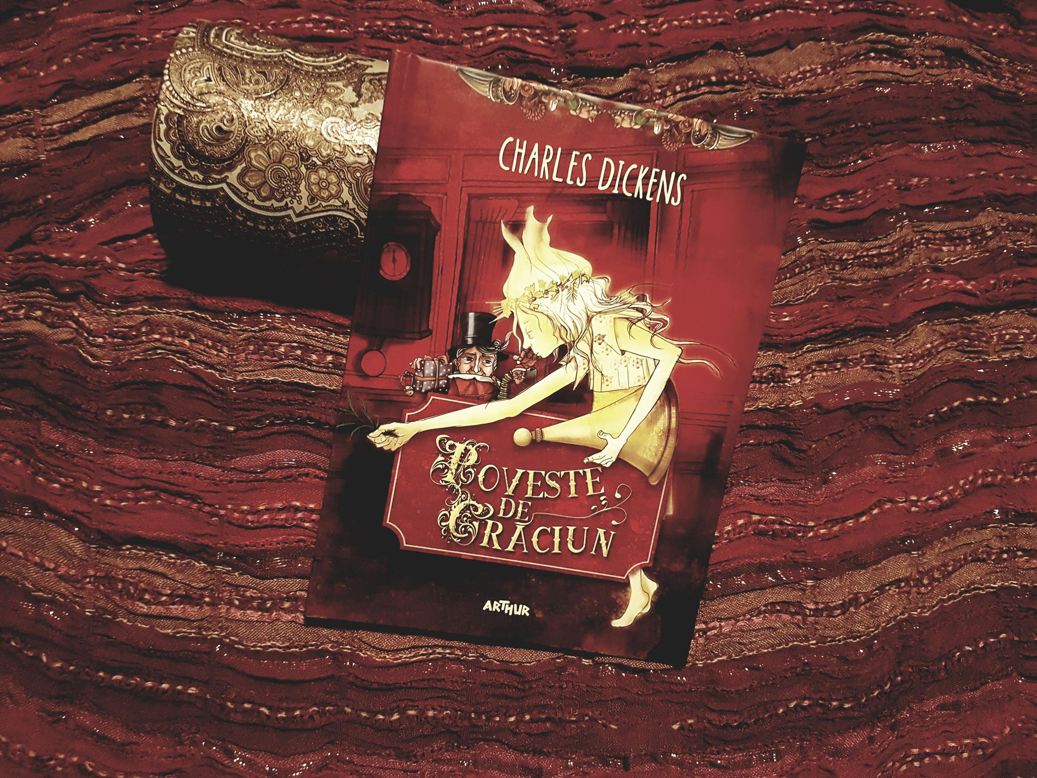 """""""Poveste de Crăciun"""", de Charles Dickens – Minds Hub Book Club"""